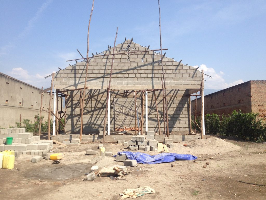 Raising the wall to the level of the gable